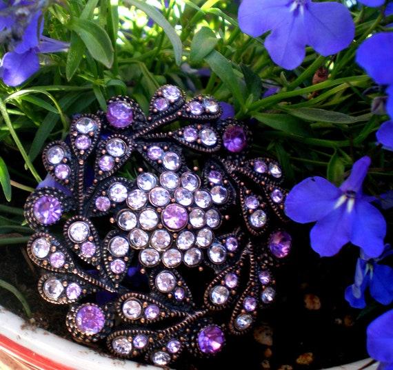 Vintage Brooch 62 Bright Purple an Lavender Crystal Rhinestones Stunning