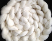 Falkland (56s) Wool Spinning Top (roving) - undyed ecru - spinning/felting/dyeing - 4 ounces - 26 microns