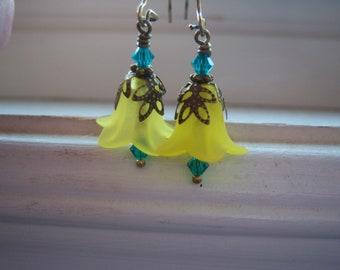 Flower Earrings - Victorian Style - Yellow Earrings -  Bridesmaids Gifts - Earrings