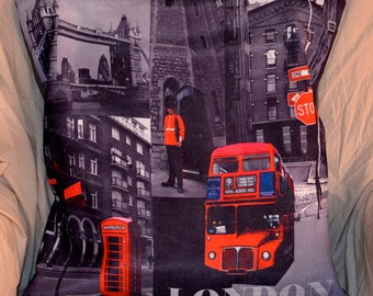 Set Of 2 LONDON BUSES Royal Guard Telephone Booth 18 Inch 46 cm Throw Pillow Cushion Covers