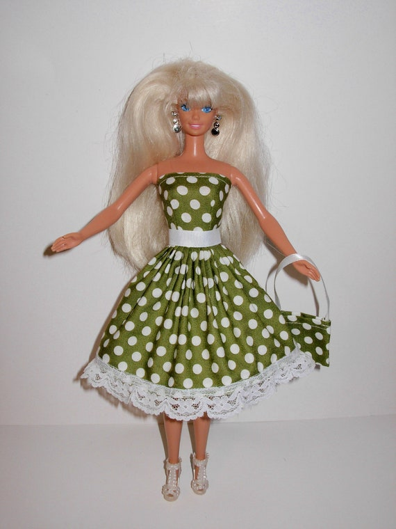 Pretty polka dress and bag for barbie doll