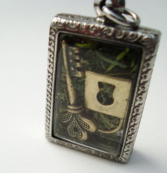 Unlock Me Key and Lock Terrarium Locket Necklace Mini Curio Display Natural World
