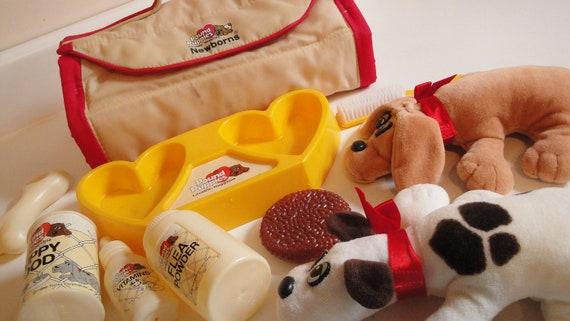 1980s Vintage Pound Puppy Newborn Carry Case Accessories 2 Dogs White Brown