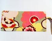 Pink mod floral clutch purse.  Envelope style handbag bag with writslet.  Alexander Henry pink flowers fabric.  Handmade.