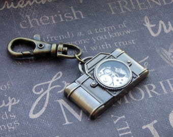 Bronze Camera Keychain - Enchanted Steampunk Photographer -  Jewelry by TheEnchantedLocket - PERFECT Unisex Groom Bride Anniversary Gift