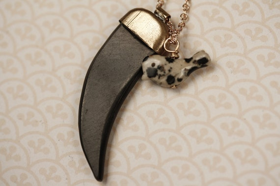 Black Water Buffalo and Spotted Bird Charm Necklace, Black Tusk Shape Pendant, Small Stone, Long Gold Chain, Geometric, Unique Jewelry