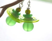 Bright Green Glass Earrings, Lampwork Jewelry, Spring Green Dangle - bstrung