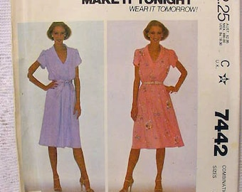 Vintage 1981 McCalls 7442 Dress Pattern  size 6,8,10 Uncut, Pullover V-neck