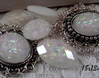 18x13mm - White Opal - Faceted Acrylic Cabochon - 5 pcs : sku 11.24.12.9 - E18