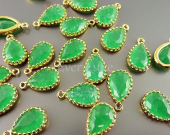 2 palace green crackle glass 12mm teardrop charms, glass beads for jewelry 5049G-CPG-12 (bright gold, crakle palace green, 12mm, 2 pieces)