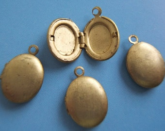 Set of 5 - Small Oval Brass Lockets - Vintage