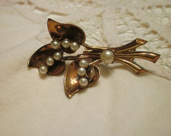 Coro Vintage Gold Tone Brooch With Faux Pearls FREE SHIPPING