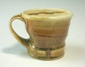 Gold and custard mug (IV13)