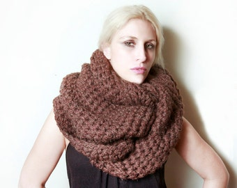 The New Yorker Infinity Circle Scarf in Wood Brown Heather