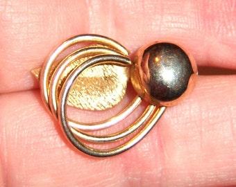 vintage gold tone tiny brooch pin