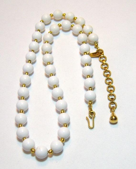 vintage white Monet adjustable necklace E
