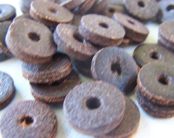 Vintage Coco Nut disk beads  Rustic primitive beads (24X)