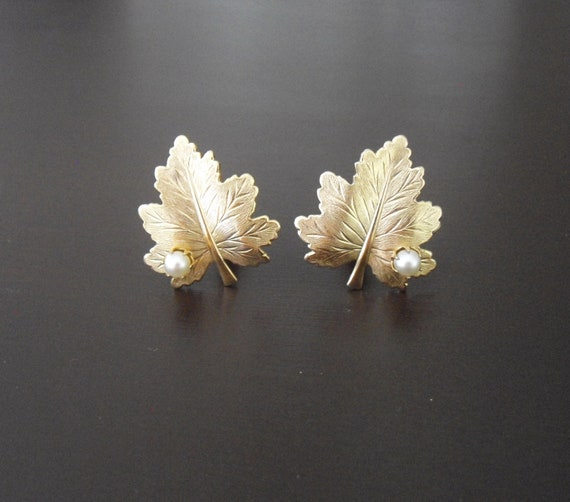 Vintage Sarah Coventry Whispering Leaf Earrings