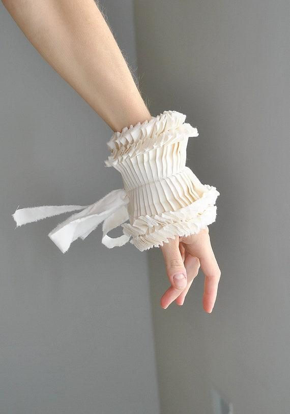 Ruffled cuffs/ Detachable cuffs/ Ivory cuffs/ Boho chic/ Fasric bracelet/ Hand made couture cuffs/Beige wedding/ rusteam tt team teamstyle