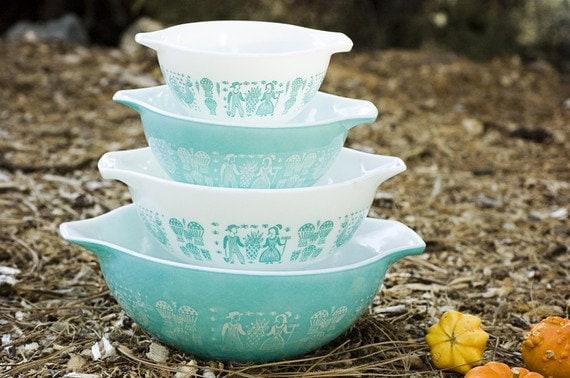 SALE Vintage Pyrex Turquoise Amish Butterprint Bowls