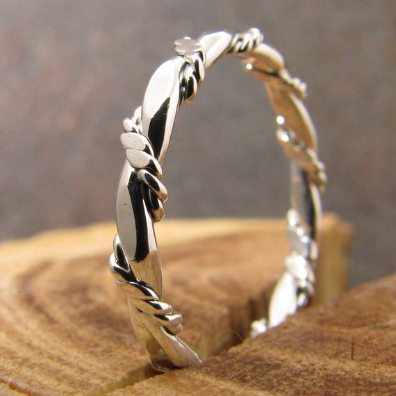 Flat and Double Twisted Rope Stacking Ring