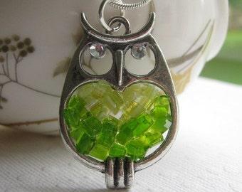 Owl Necklace, Stained Glass Owl, Owl Jewelry, Green Owl Necklace, Green Glass Owl