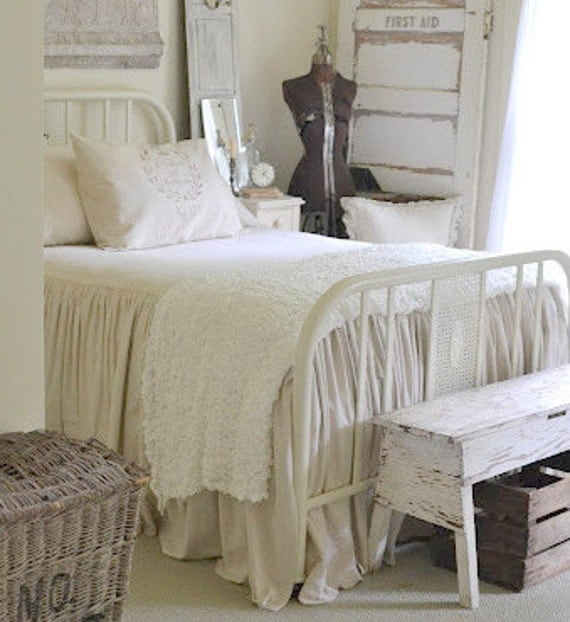 The french prairie collection coverlet king size for French country style beds
