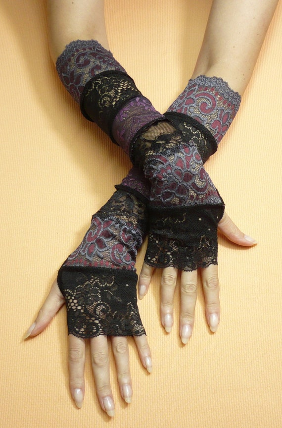 Romantic boho and neo victorian gloves lace armwarmers black for Lace glove tattoo
