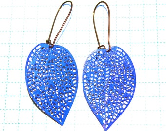 Royal blue filigree leaf earrings