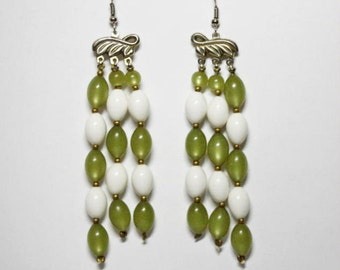 Vintage Dangle Glass Bead Earrings Pearlescent Pea Green & Soft White