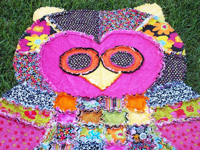 Rag Quilt Owl Pattern : Quilt Groovy Hoot the Owl Rag Quilt by GrannyArlenasAttic on Etsy