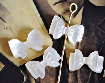 White Mother of Pearl Shell Carved Bowknot Beads -V1037 /10Pcs