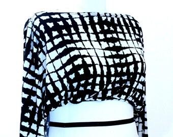 Plus Size Black and White Dolman Sleeve Shrug Bolero Coverup Fits sizes (14 -24)