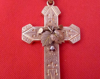 Victorian Pinchbeck Rose Gold Ornate Cross Pendant