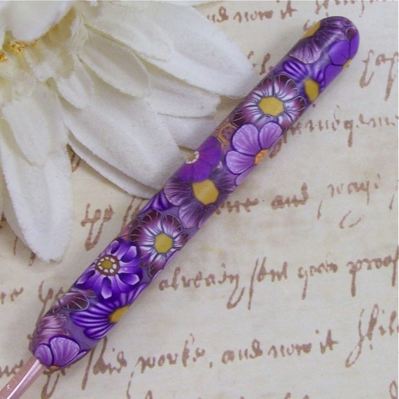 Susan Bates Polymer Clay Covered Crochet Hook, Size E