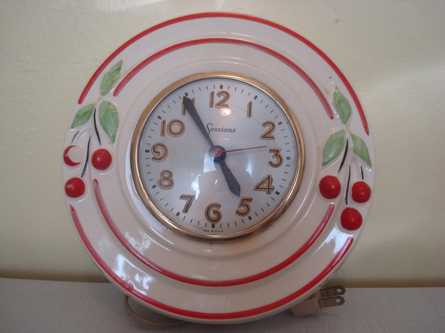 Sale Incredibly 1950's Antique Kitchen Clock With
