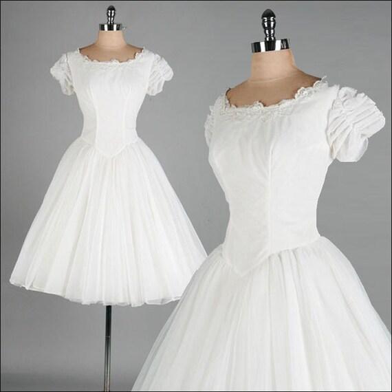 r e s e r v e d /// Vintage 1950s Wedding Dress . White Chiffon . Tulle . Full Skirt . M/L . 2103