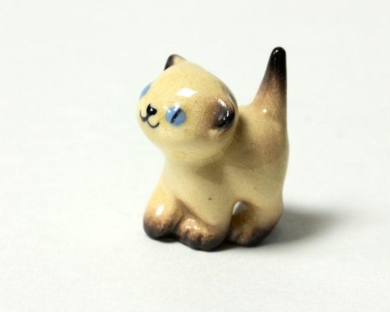 Ceramic Siamese Kitten Figurine Nose Up by Hagen Renaker