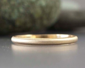 14k Gold Wedding Band - Mens 2mm Wide Ring in Solid Yellow Gold