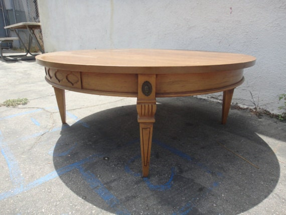 Mid Century Modern Round Coffee Table (Los Angeles)