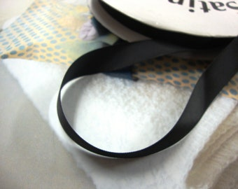 "10 yards 5/8"" width black satin ribbon trim for your crafts projects and fashion designs"