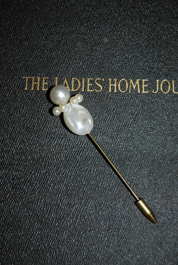 Vintage 1950's Faux Pearl Hat Stick Pin