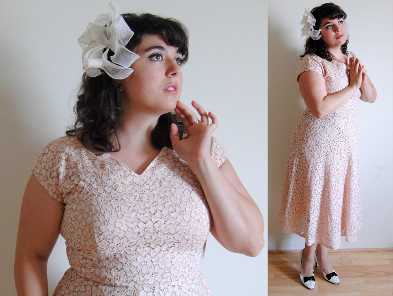 SALE Plus Size Vintage Dress 1940s 1950s Pink Lace Dress with