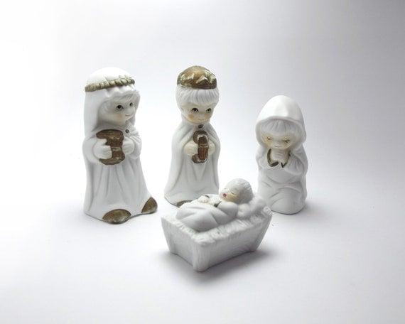 Set Nativity Scene Figurines, White porcelain, Holy Night, Christmas ...