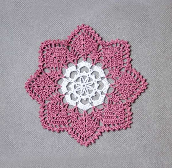 Snowflake Design Crochet Lace Doily, Home Fashion, Dusty Rose Pink and White