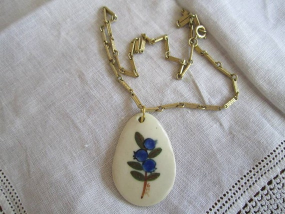 Vintage Gold Tone Chain with Pendant from Old Spouter Pottery on Nantucket Island