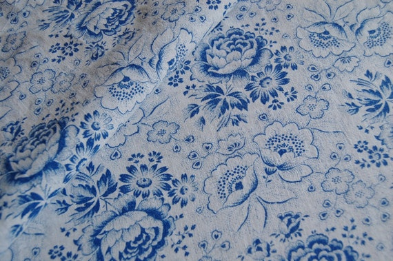 Vintage FABRIC - Vintage French Blue and White Roses - Soft Cotton Floral
