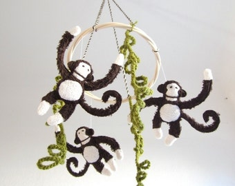 Baby mobile, monkeys, crib, brown, white, nursery decor, eco friendly, organic, cosy, shower gift