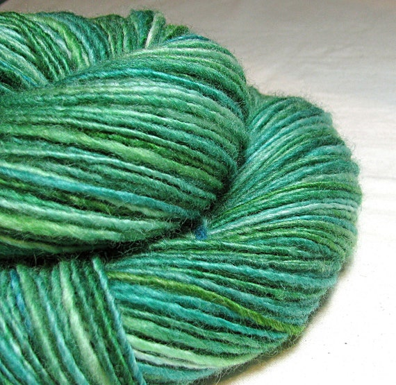Handspun Yarn Gently Thick and Thin Single Blue Faced Leicester 'Tonic and Lime'