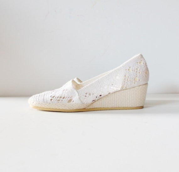 white crochet wedge espadrille summer shoe vintage 70s